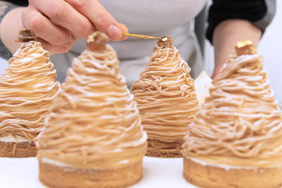Tarte Mont-Blanc en préparation à l'Atelier des Gourmands