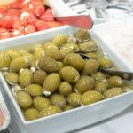Préparations d'olives et de poivrons farcis de L'Atelier des Gourmands