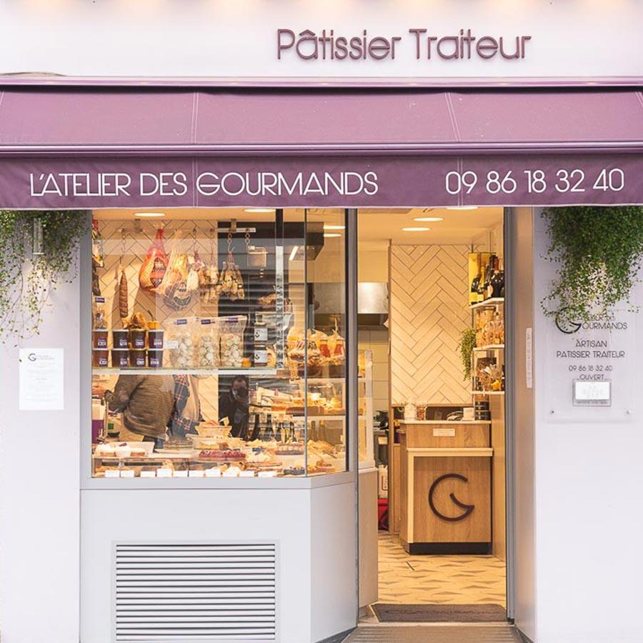 Vitrine de l'Atelier des Gourmands, pâtissier traiteur, Paris 15e